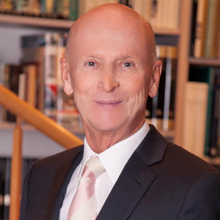 Senator KommR. Kurt G. Mann
