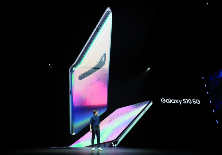 Mit großem Aufwand präsentiert Samsung mit dem S10 sein erstes 5G-fähiges Smartphone.